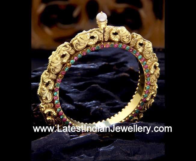 22 karat Gold Kada Design