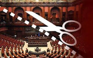 Referendum contro i privilegi della casta: si raccolgono firme in tutti i Comuni entro il 26/07
