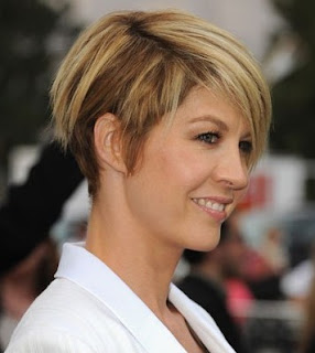 short hairstyles 2013 for women2 40 8 Hairstyles 2013 Women Over 40