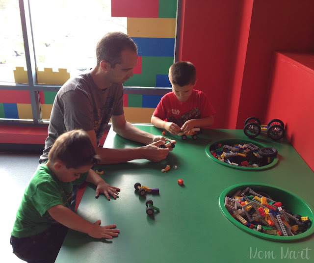 LEGOLAND Discovery Center in Schaumberg IL LEGO play!