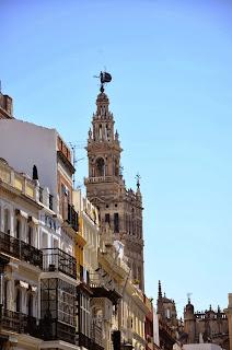 Giralda desde Plaza San Francisco (Sevilla)