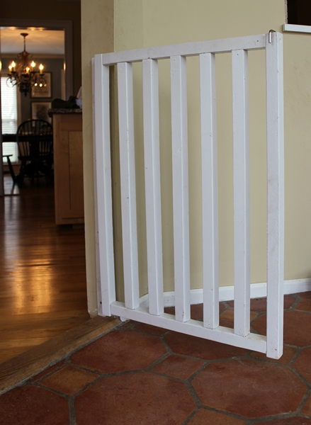 Baby+Gate Boxy Colonial: DIY Baby and Dog Gate Instructions