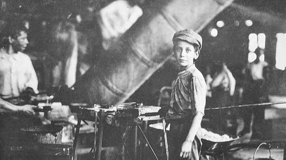 child labor laws in the 1800s essay