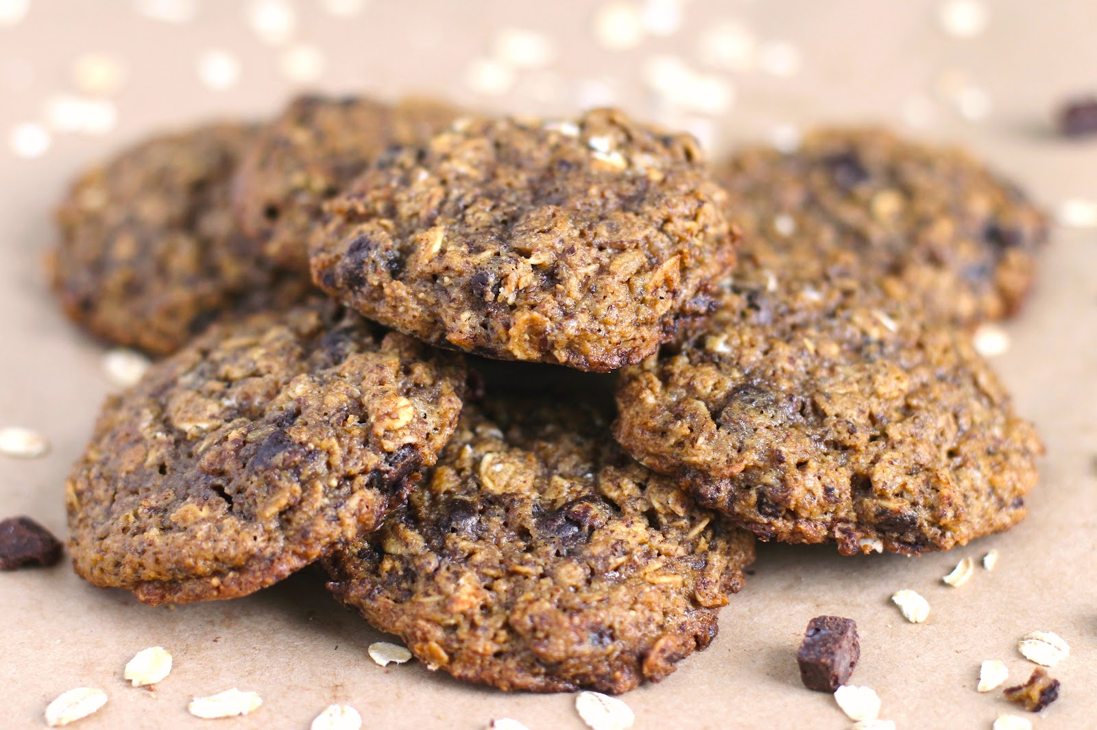 Healthy Nutella Chip Oatmeal Cookies (no sugar added, gluten free, vegan)
