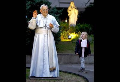 Retiraron la estatua del papa Francisco 0710_monumentopapa_g5_afp.jpg_1853027551