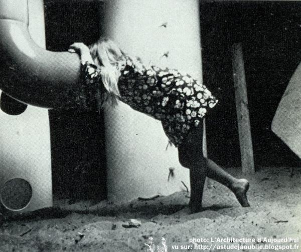 """Les Mathes / La Palmyre - Village de vacances des Pins de Cordouan  Le restaurant:  Architectes: Alain Villeminot, Thierry De Champrit  Jeux enfants """"le Sous-marin"""":  Création: Group Ludic (Simon Koszel, David Roditi, Xavier De La Salle)"""