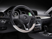 2011/2012 Mercedes C-Class Coupé (W 204) C 250 CDI Diesel Interior Sterring Wheel official press media picture image photo
