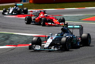 Hamilton Prediksikan Persaingan Lebih Ketat dengan Ferrari Musim Depan