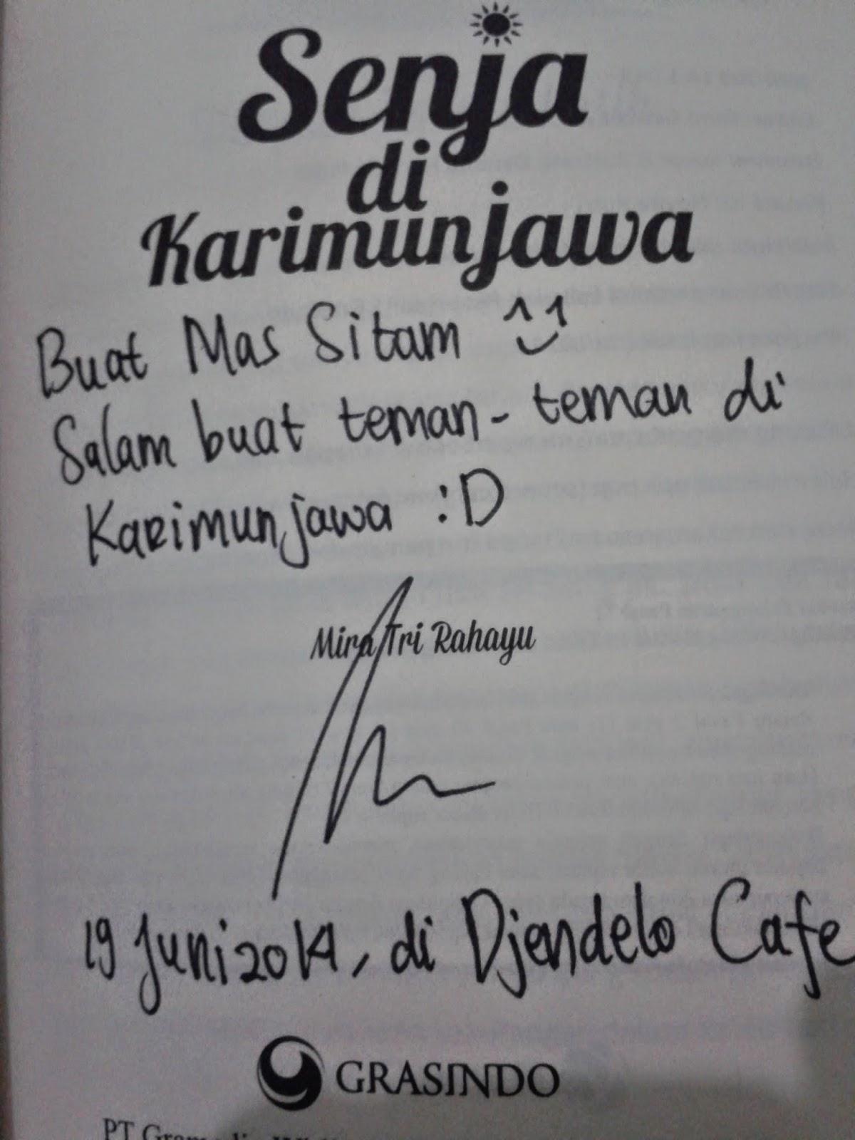 Tanda tangan di Novel Senja di Karimunjawa