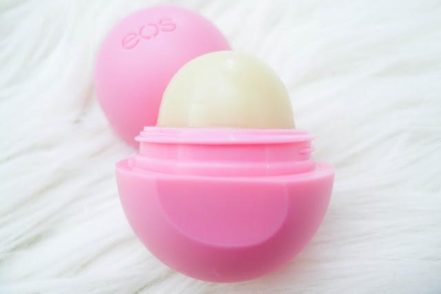 EOS Smooth Lip Balm Sphere  STRAWBERRY SORBET