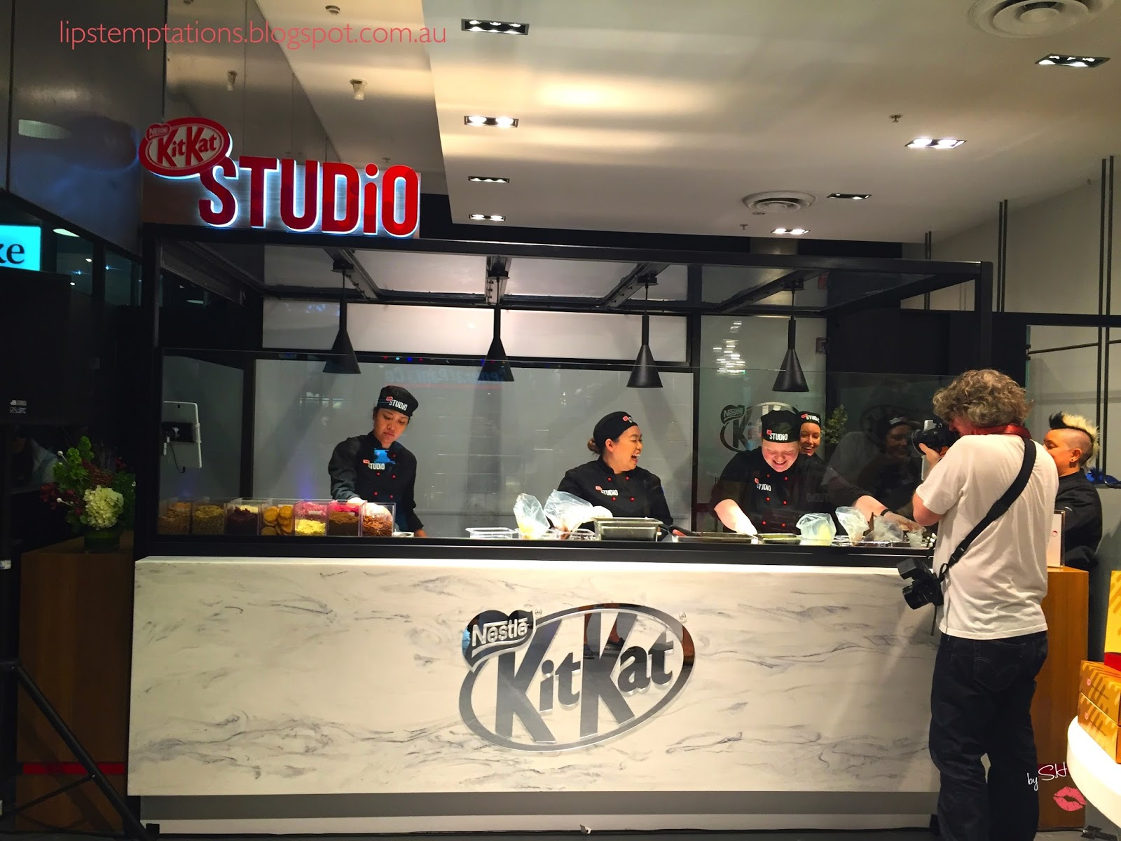 Kit kat studio pop up store lips temptations it was a huge success with over 25000 kit kat sold the good news is the melbourne version is bigger better and longer it will run for 8 weeks until the voltagebd Gallery