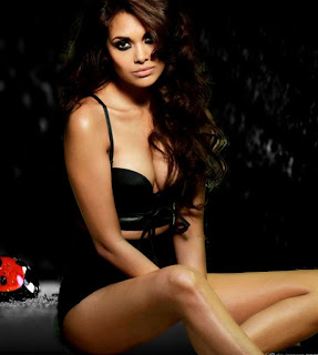 Esha Gupta, bollywood, bollywood actress, latest bollywood actress picture