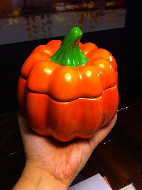 hot-pot-studios-pumpkin-paint-vase