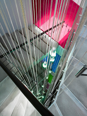 Design-Leuchten im Treppenhaus