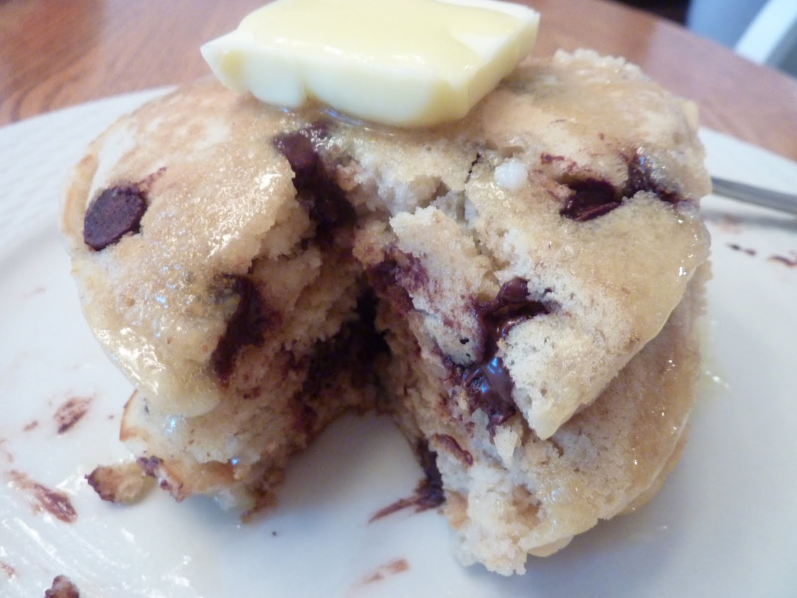 Kimmy's Kitchen: Oatmeal Chocolate Chip Pancakes