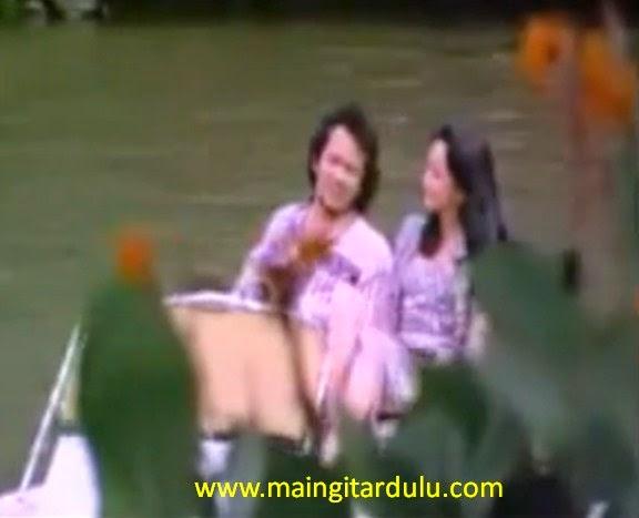 Siapa Yang Punya - Rhoma Irama & Rita Sugiarto