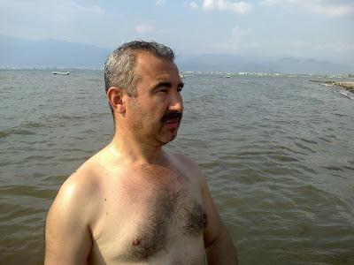 turkis hairy gay on the beasch