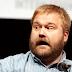 """Criador de The Walking Dead diz que Marvel é mais """"esperta"""" que DC"""