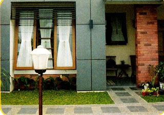 Carport bernuansa minimalis ditopang oleh kolom ciptakan elemen dekoratif yang indah.