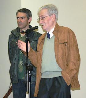 En Joan Prim organitzador del certamen expressa al públic els espectes i els valors de la mostra.