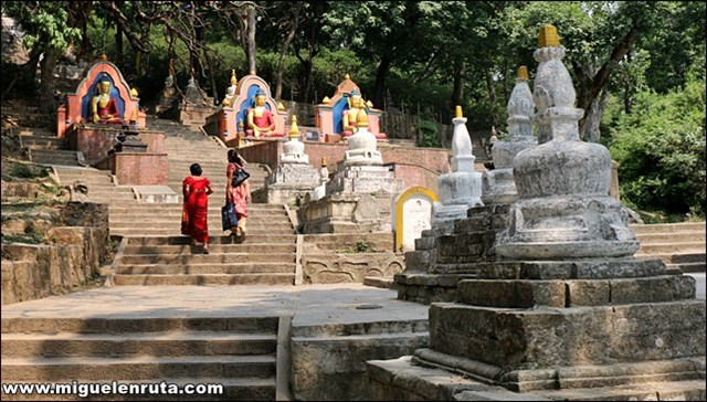 Swayambhunath-Temple-Katmandú-Nepal_4