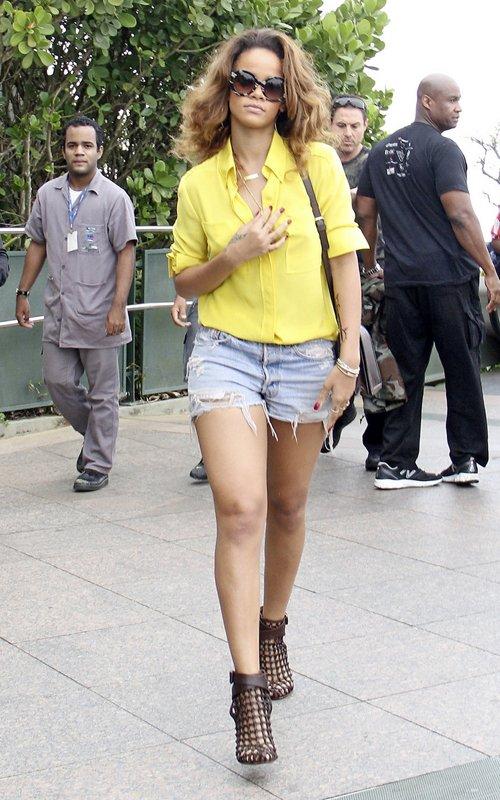Fairyana Rihanna 39 S Street Style