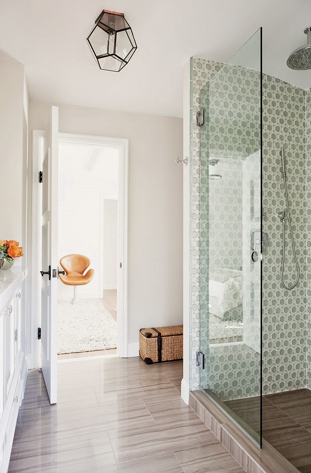 Mix and chic home tour a stunning spanish style home in for Spanish style bathroom