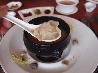 鲜味蟹粉云吞汤
