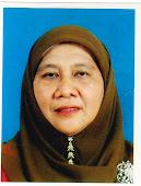 Pn. Hajjah Nor 'Adza binti Haji Ismail (Guru Besar)