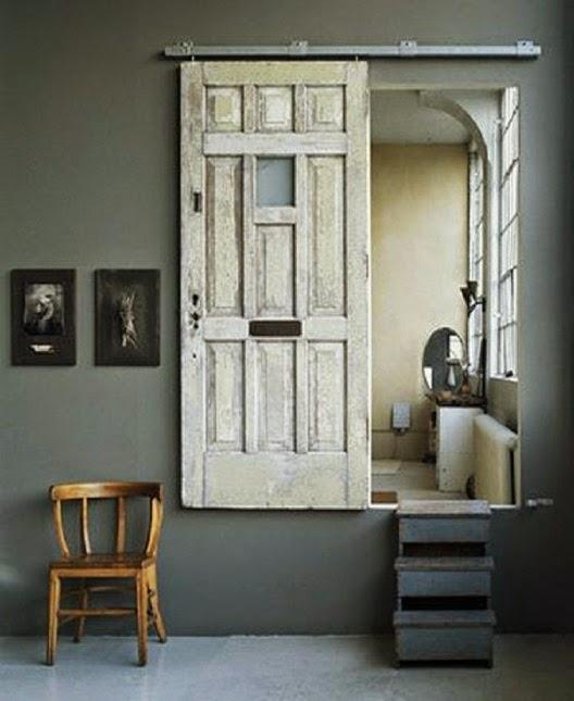 Vida ecoverde convertir una puerta antigua con bisagras for Puertas grandes antiguas
