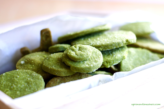 ... & Traveling in Italy and Beyond: Matcha Green Tea Shortbread Cookies