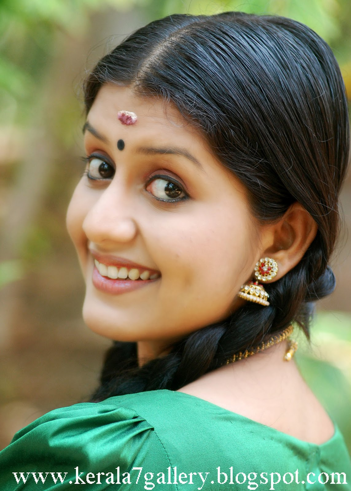 Malayalam cute actress Sarayu photos