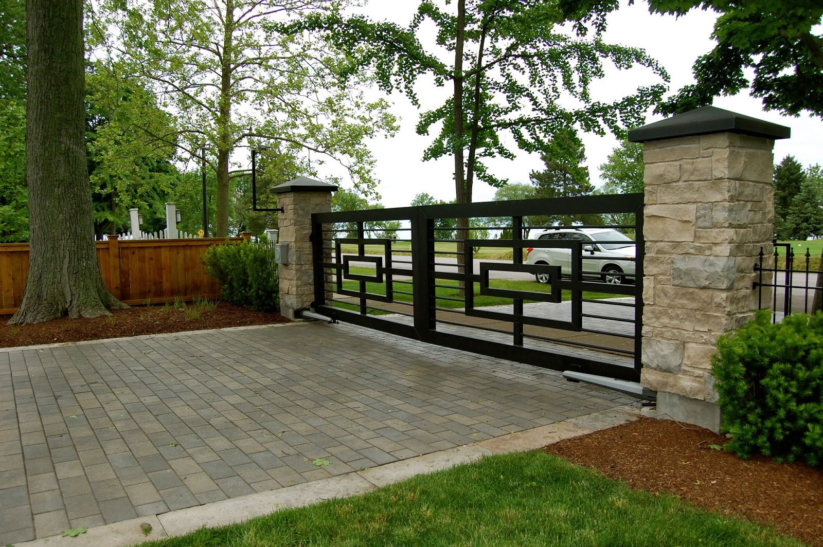 Astrid 39 S Garden Design Entryways Gates And Doors