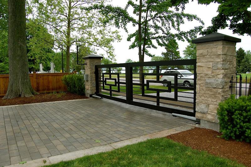 Desain Taman: Jalan masuk, Gerbang dan Pintu