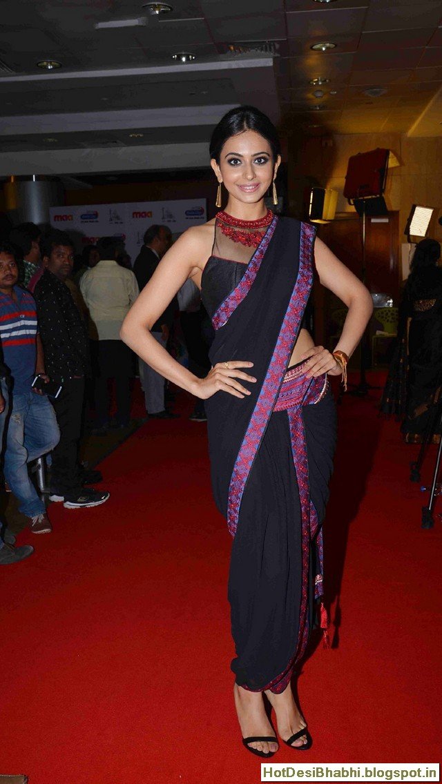 Rakul Preet Singh in Saree Wallpapers