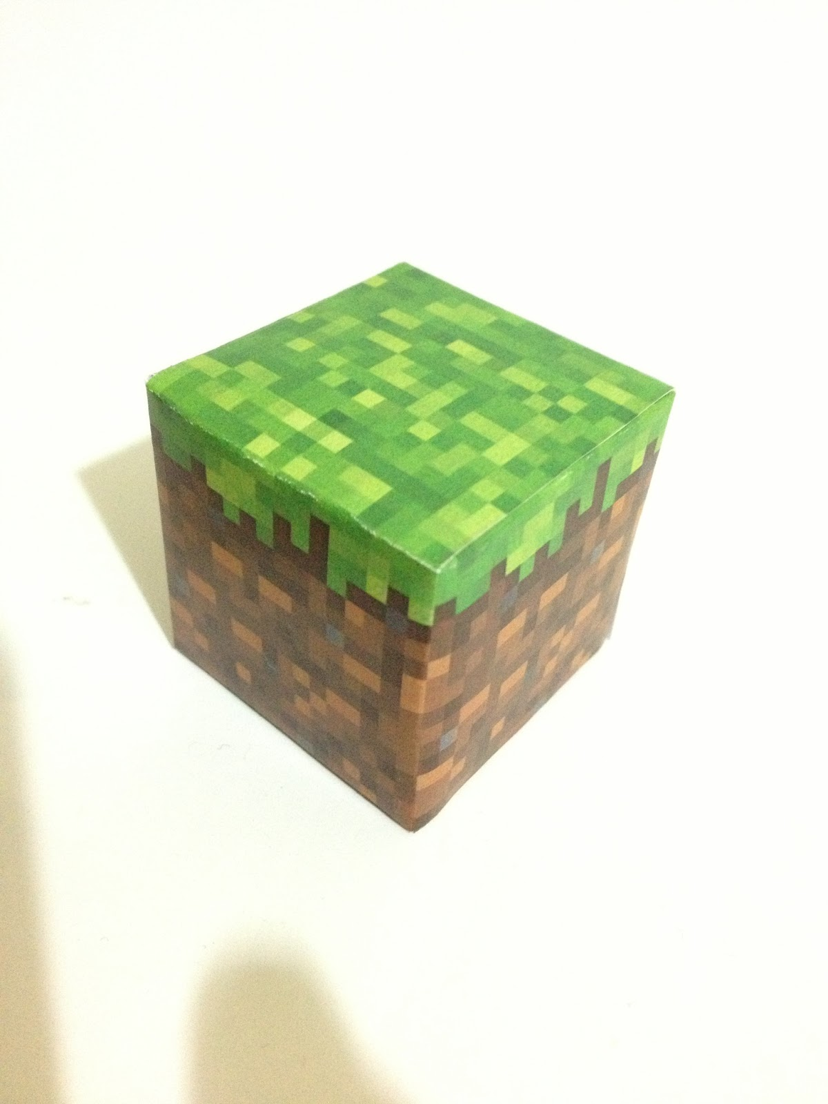 Mini at least papercraft minecraft grass cesped stone - Bloques para cesped ...