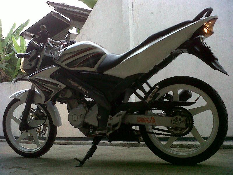 VIxion White modifikasi standar Engine. penggarapan Juli-2012 title=