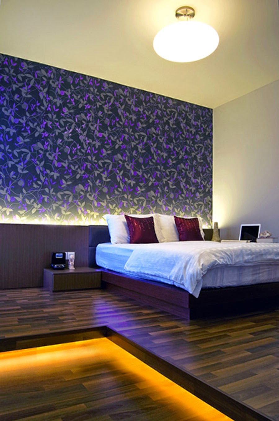 Small bedroom lighting ideas the interior designs for Bed wall design