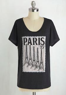 Sweet post card tee, showing the beautiful Eiffel Tower.