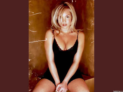 Hot Pop Girl Candice Hillebrand Wallpaper