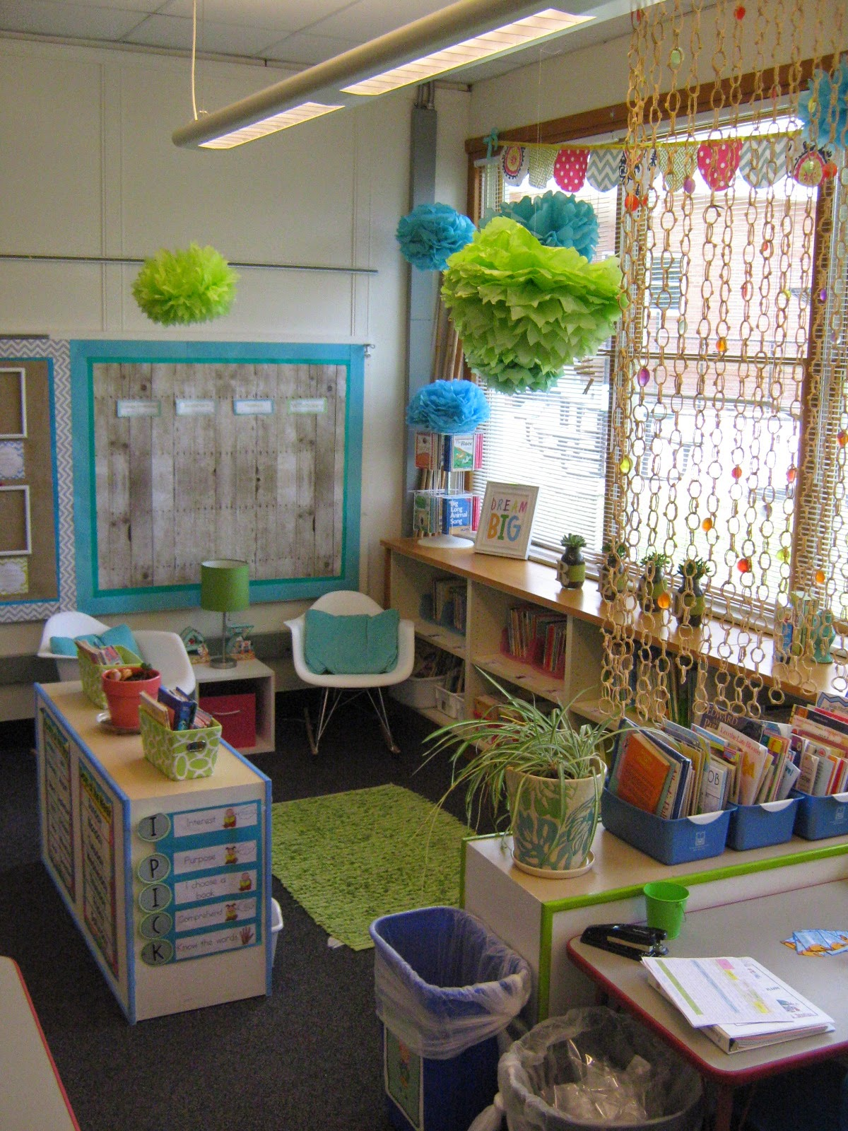 Classroom Decor Grade 1 ~ Bits of first grade classroom tour