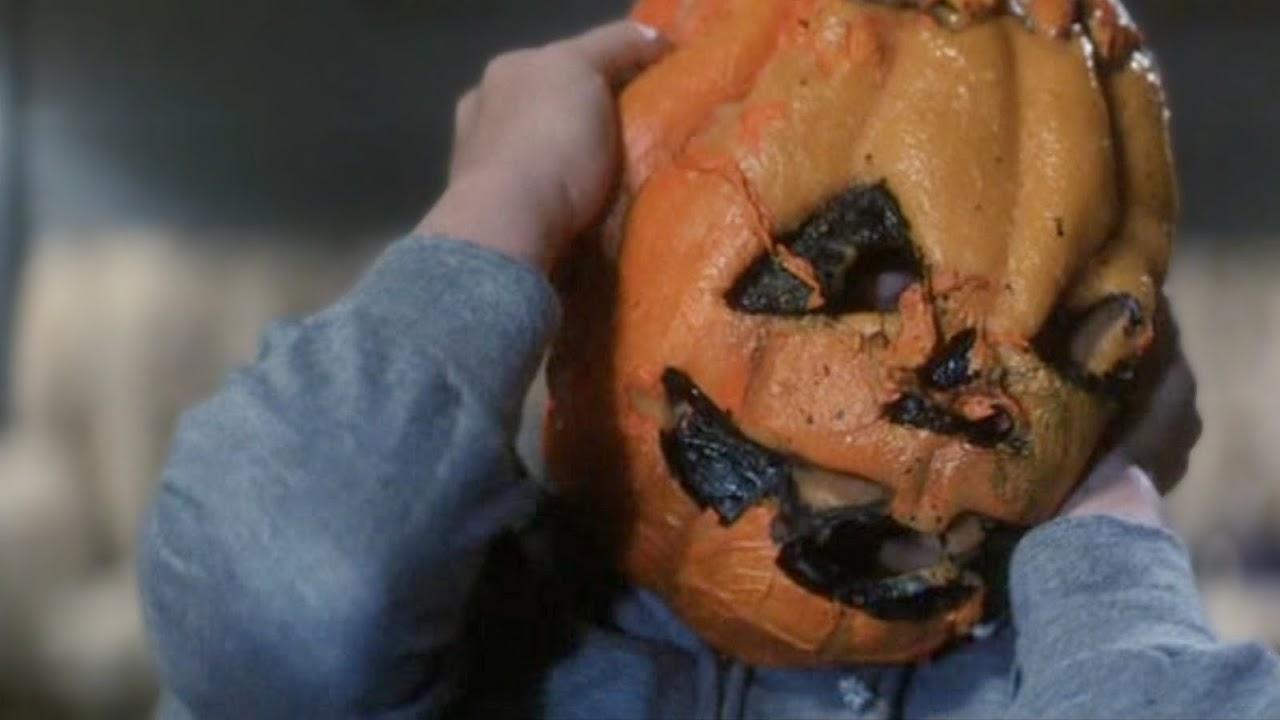 http://3.bp.blogspot.com/-8yK3kLjwqzk/Tq7gJc9xWPI/AAAAAAAAHic/T3Z--vFWnjU/s1600/halloween-iii-season-of-the-witch.jpg
