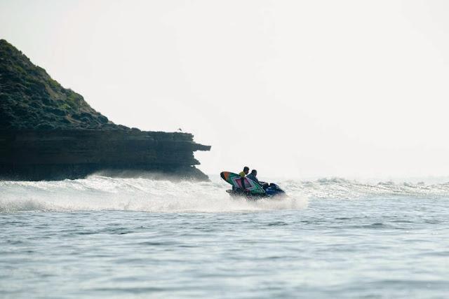 2 Rip Curl Pro Bells Beach 2015  Filipe Toledo WSL Kelly Cestari