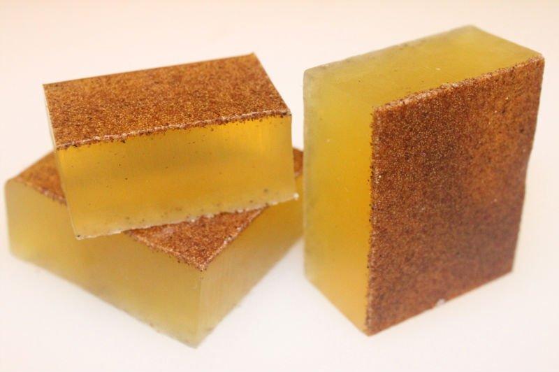 在製作手工皂或者蠟燭時添加一點茶樹精油,使用時 ...
