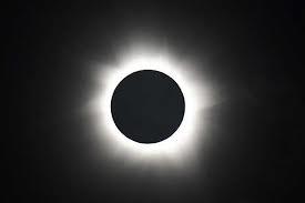 Ovni en el Eclipse