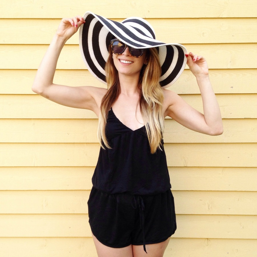 striped hat outfit