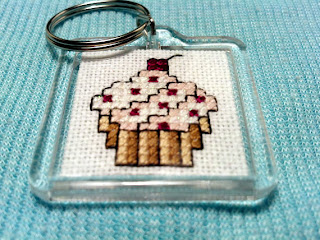 Pink Cupcake Keychain - Cross Stitch