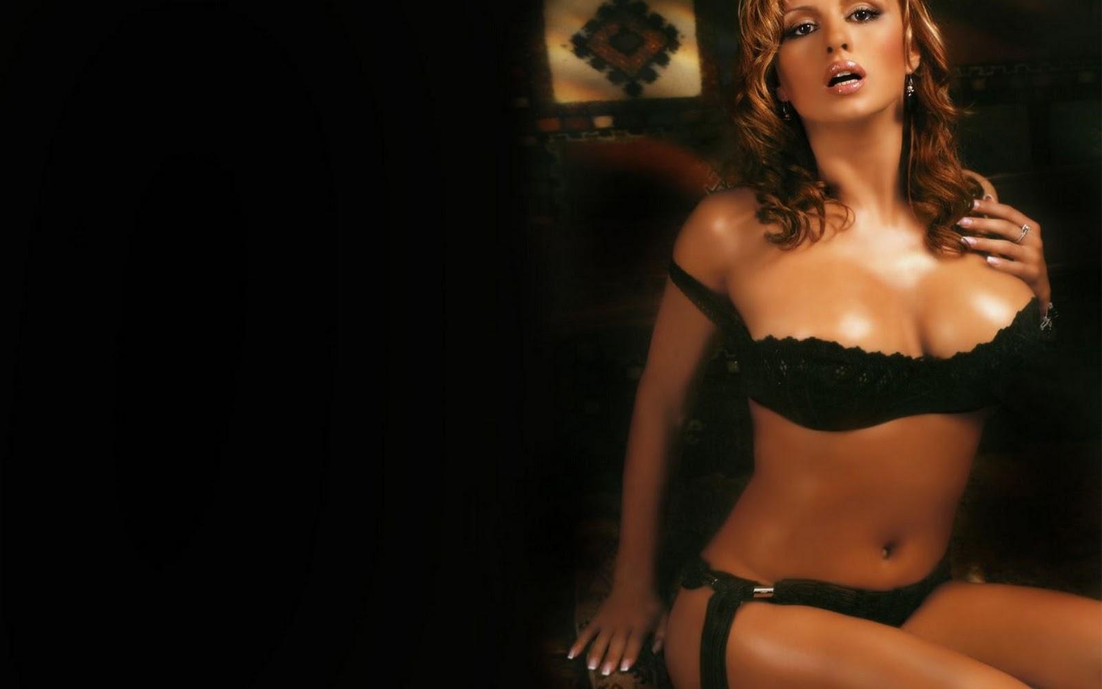 Лесби целуются в засос - видео / byclick @ Lust Flesh