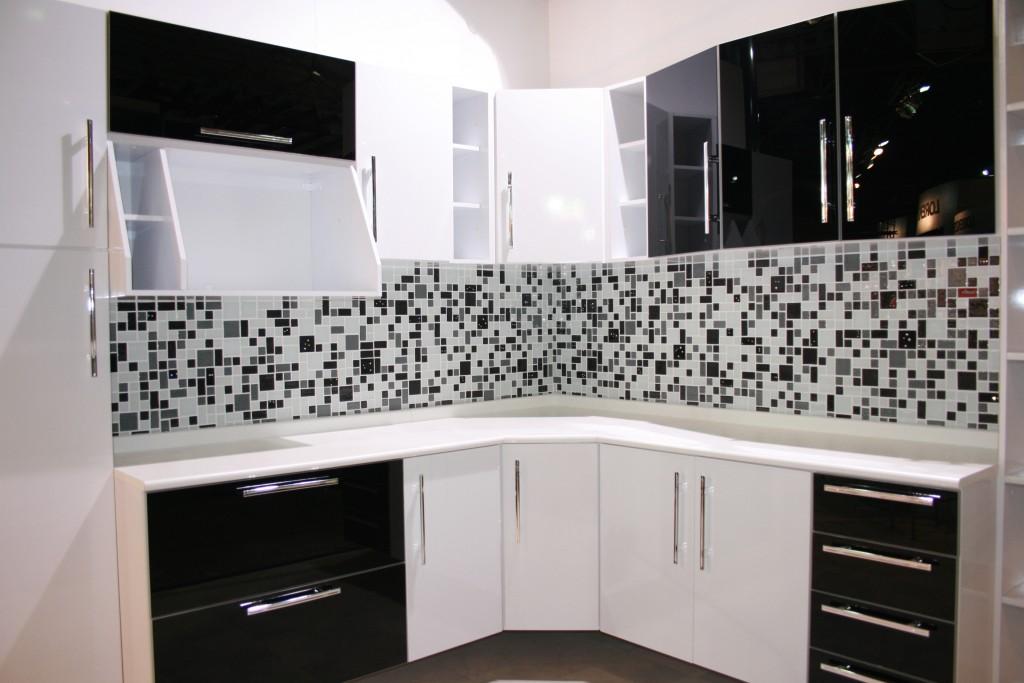 Decoração Com Pastilhas de Vidro  Cantinho da Sonia Moura -> Banheiro Com Pastilha Preta E Branca
