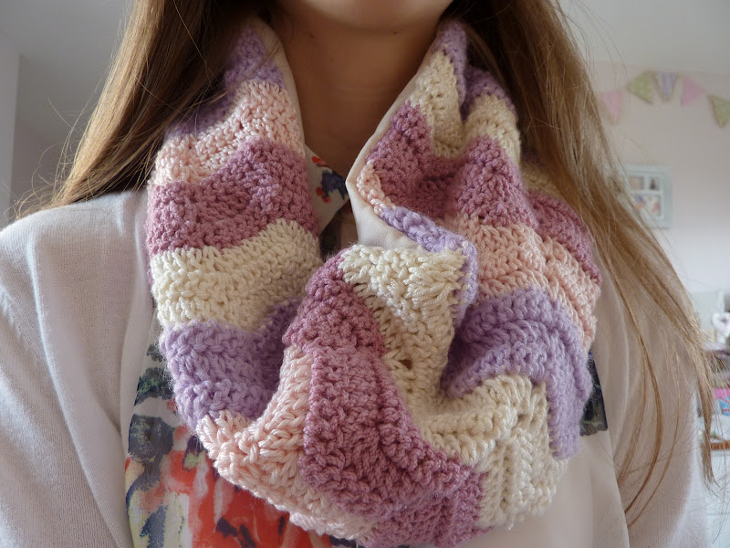 Crochet Tutorial Infinity Scarf : Handmade By Hannah: Crocheted Infinity Scarf Tutorial